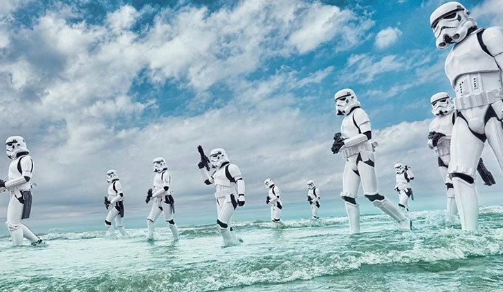 Truppe imperiale nelle splendide acque del'atollo di Laamu